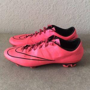 Men Nike Mercurial Soccer Cleats Pink size 11